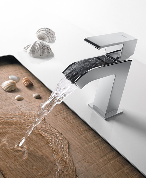 bathroom mixer tap with open cascade spout tres cuadro 2.jpg