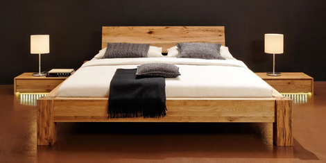 Bergmann solid wood bed