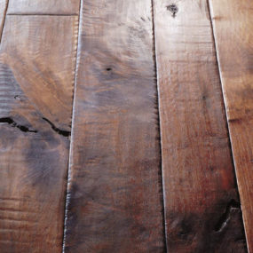 Walnut plank floor from Birger Juell – the hand sculpted plank flooring