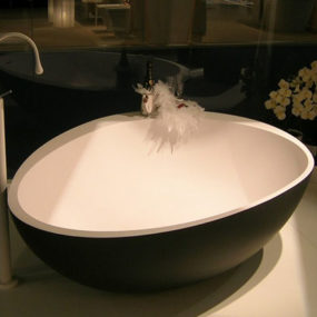 Black Bathtubs with White Interior by Mastella – Party