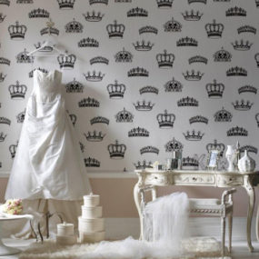 British Designer Wallpaper by Graham & Brown – Crowns and Coronets