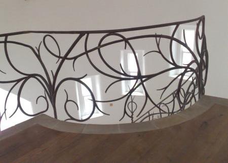 bushy-hand-forged-iron-railings-2.jpg