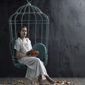 Cageling – the Suspended Cage Chair from Ontwerpduo