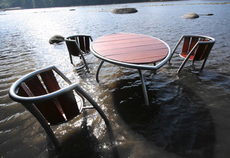 Exotic Wood Outdoor Furniture Set By Calanc
