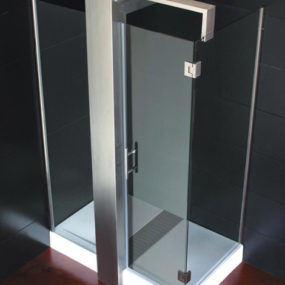 Modern Shower Cabin Design from Colacril – Das Glass is a triumph of minimalist design
