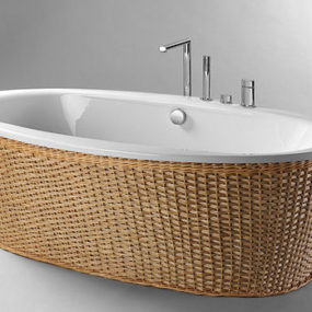 Freestanding Whirlpool Tub from Condor Balneo – the Louise Tub