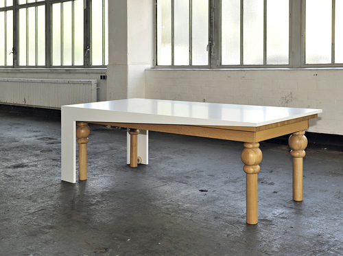 Ultra modern dining table by kisskalt for Contemporary dining table designs