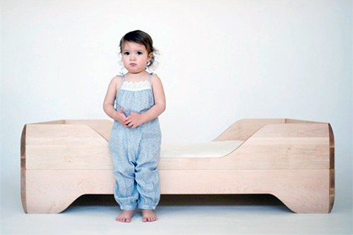 Converting a Crib into a Toddler Bed – conversion kit by Kalon
