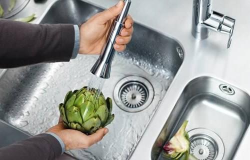cosmopolitan-kitchen-faucet-grohe-k7-2.jpg