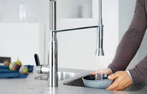 cosmopolitan-kitchen-faucet-grohe-k7-3.jpg