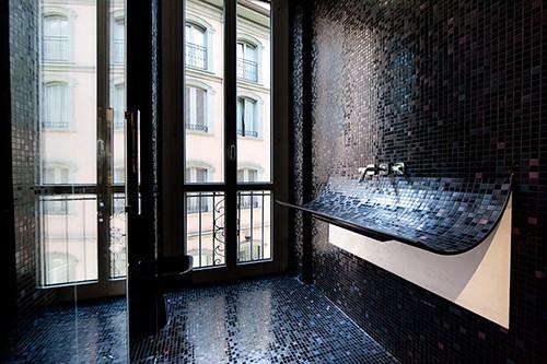 curved-bathroom-sink-mosaic-tile-skin-lago-1.jpg