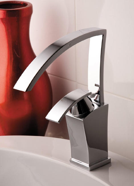 curved spout faucets gattoni 1 Curved Spout Faucets by Gattoni
