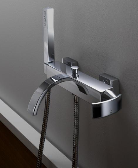 curved-spout-faucets-gattoni-3.jpg