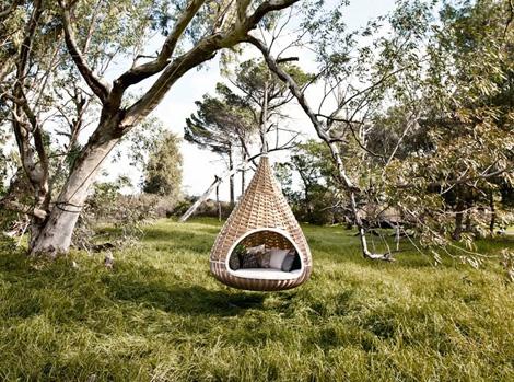dedon-hanging-lounger-nestrest-2.jpg