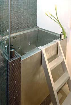 Superbe Diamond Spas Stainless Steel Rectangular Japanese Soaking Bath.