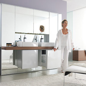 Mirror Wall System from Duravit – the Mirrorwall opens up your bathroom environment