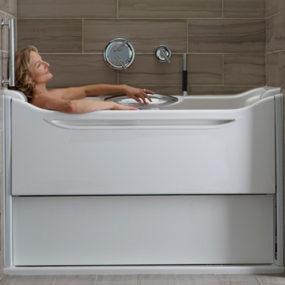 Easy Access Bathtubs – Rising Wall Bath Elevance by Kohler