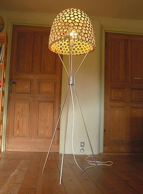 eco-friendly-furniture-sakhalin-knotweed-floor-lamp-4.jpg