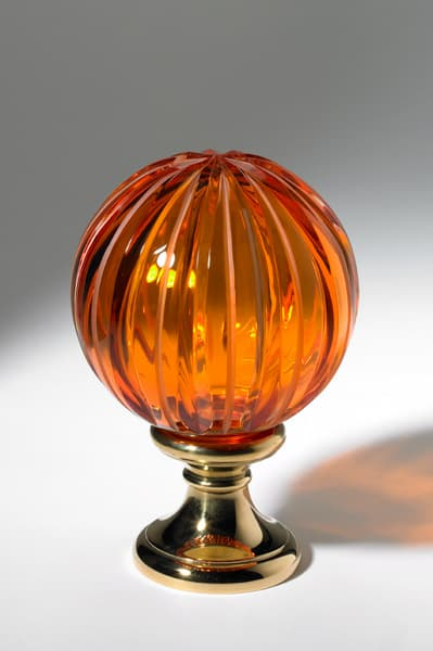 elegant cut crystal drawer knobs from cristal decor 1 Elegant Hand blown Crystal Drawer Knobs from Cristal Decors