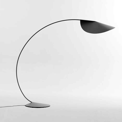 elegant floor lamps circle de padova 2 Elegant Floor Lamps   casual contemporary Circle lamp by De Padova