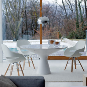 Elegant White Pedestal Table: Blanco by Zanotta