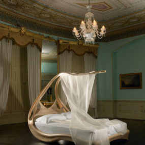 Elegant Canopy Bed by Joseph Walsh – amazing Enignum
