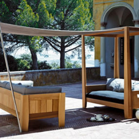 Outdoor Sofa with Canopy Extension from Exteta – the Kitando collection