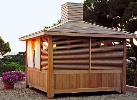 Exteta TH outdoor spa enclosed