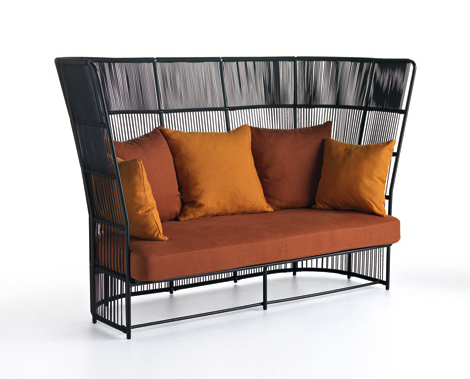 fancy outdoor furniture 1 Fancy Outdoor Furniture for Fancy Patios, by Varaschin