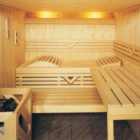 Custom Sauna from Finnleo – luxury sauna with Grande Interior
