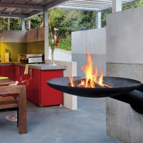Sunfocus Outdoor Fireplace Takes Grilling to New Heights