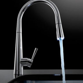 Pull Out Faucet with LED Illuminated Nozzle Head – Franke Rolux