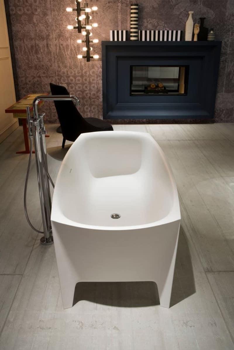 Freestanding Modern Bathtub by Mario Ferrarini