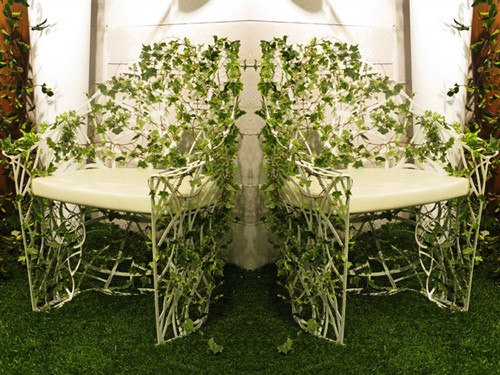 garden furniture set overrun plants Radici decastelli celato 3 Artistic Garden Furniture Set Radici by Celato