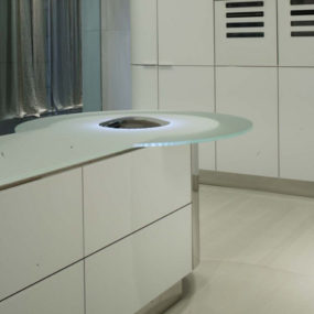Illuminated Kitchen Island – new kitchen 'Quick Silver' (Argento Vivo) from GeD Cucine