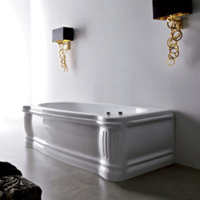 Skirted Bathtub from Gruppo Treesse – a classic English style