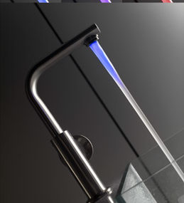 Kitchen LED faucet from Guglielmi – the new colored Temperatura Colorata faucet