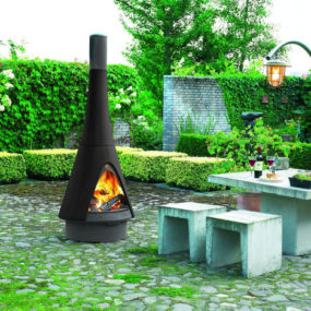 Outdoor Fireplace from Robeys – the Harry Leenders' Pharos – Bringing the Indoors Out