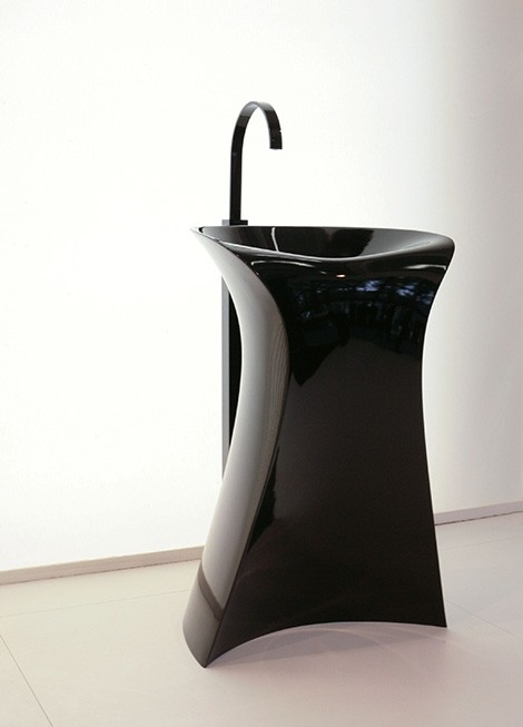 Hidra Miss freestanding washbasin in black