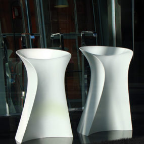 New Free Standing Washbasin from Hidra – the Miss washbasin curvy form invites you to explore…