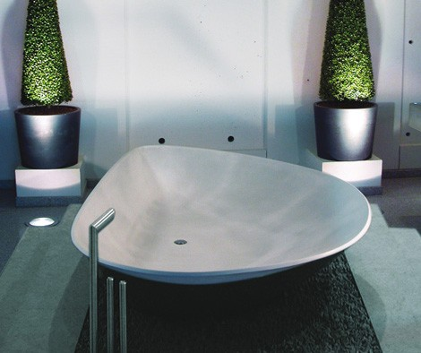 hightech bathtub mussel 3 Concrete Bathtub from HighTech   the Mussel Shell Bathtub is inspired by nature