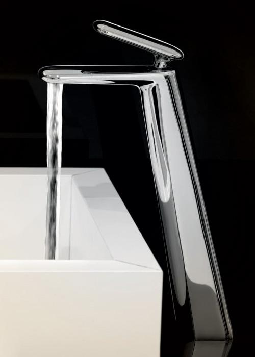 iconic-faucet-designs-fir-italia-dynamica-cascade-5.jpg