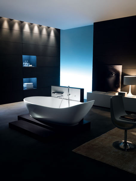 Ideal Standard Soft bathtub with a free-standing tub filler