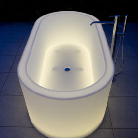 Illuminated Bathtubs by Antonio Lupi – OIO