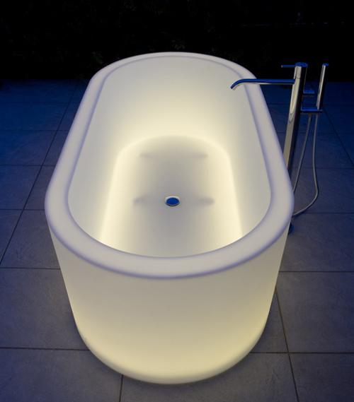 illuminated bathtubs antonio lupi oio 1 Illuminated Bathtubs by Antonio Lupi   OIO
