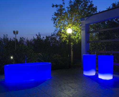 illuminated-bathtubs-antonio-lupi-oio-3.jpg