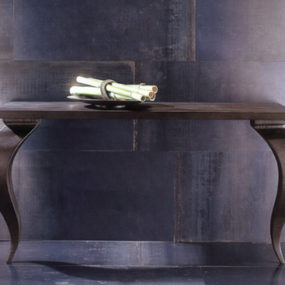 Console Table from Interior Internet – for the perfect first impression