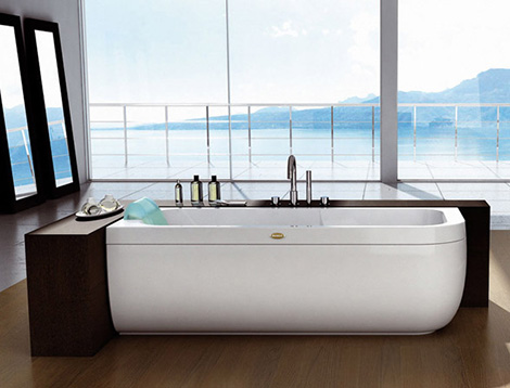 Designer bathtub from jacuzzi europe by carlo urbinati new clean