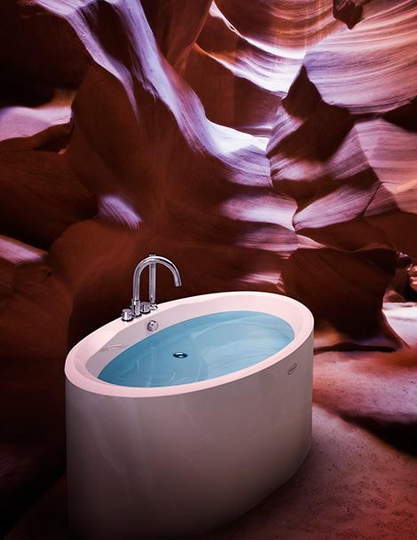 jacuzzi morphosis free standing tub Jacuzzi Morphosis Free Standing Tub   float away with this modern tub