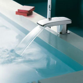 Jean Nouvel Digital Tub Filler from Jado – an electronic tub filler